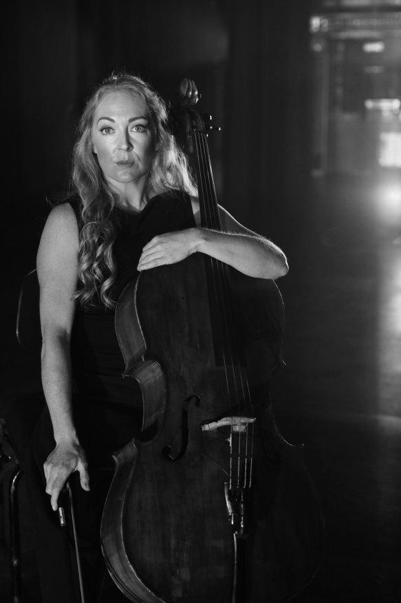 Anita portrait w cello b&w